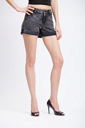 Шорты джинсовые Alice + Olivia Justeen Denim Shorts in Acid Wash